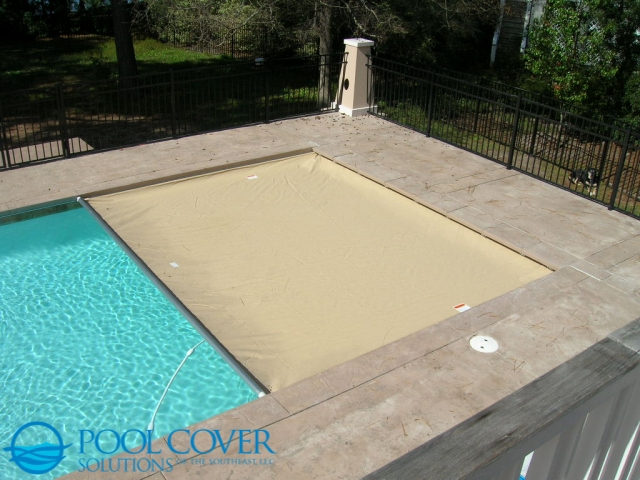 Richland SC Safety Pool Cover pet owners