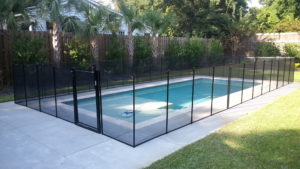 Linear Rectangular Shaped Pool Mesh Fence